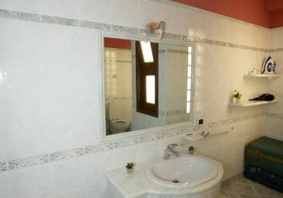 Casa Vacanze Yellow House: Appartamento In Pieno Centro Confort E Relax